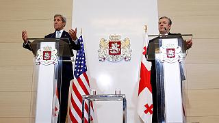 Kerry pledges support for Georgia's western aims before NATO summit