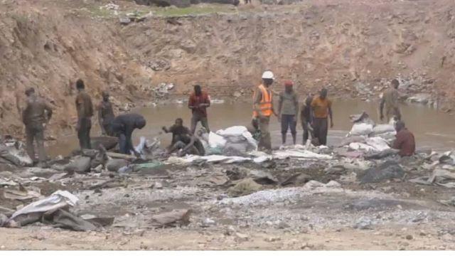 Congo miners struggle after commodities slump