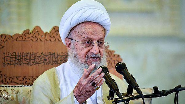 مکارم شیرازی: حجاب از ضروریات دین است، از فتوایم سوءاستفاده نکنید