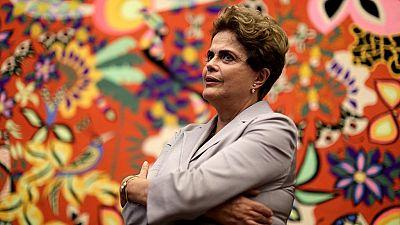 """Brésil: Rousseff dénonce une """"farce politique et juridique"""""""