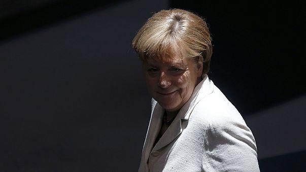 Angela Merkel defiende el despliegue militar en el este ante la amenaza rusa