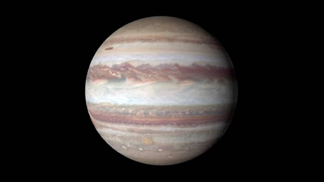 Juno tourne autour de Jupiter