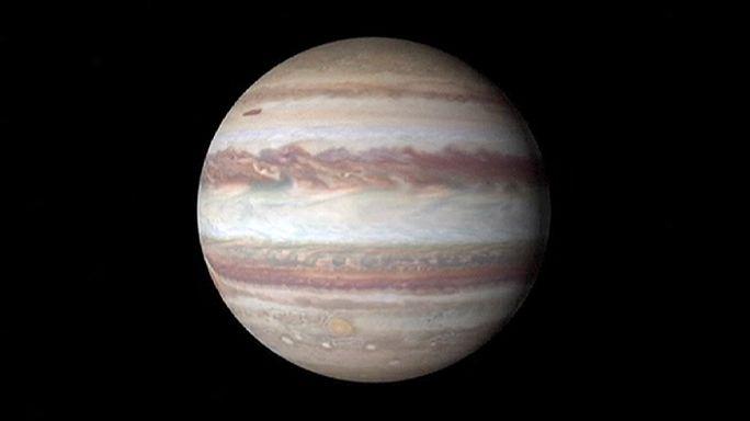 Juno Jüpiter yörüngesinde sır peşinde