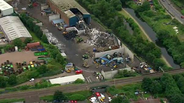 مقتل خمسة أشخاص في انهيار جدار اسمنتي في بيرمنغهام