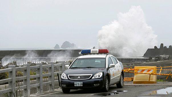 تايوان ترفع حالة التأهب مع اقتراب إعصار نيبارتاك