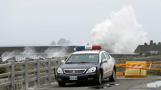 Tayvan tayfun tehlikesine karşı alarmda