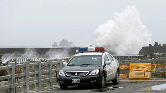 Taiwan and China prepare for Typhoon Nepartak