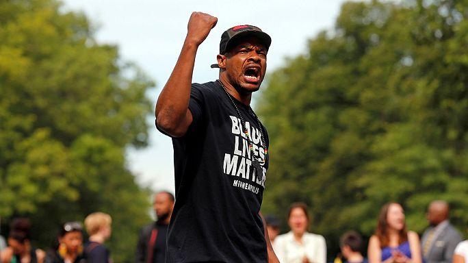 США: демонстрации против излишнего полицейского насилия в отношении афроамериканцев