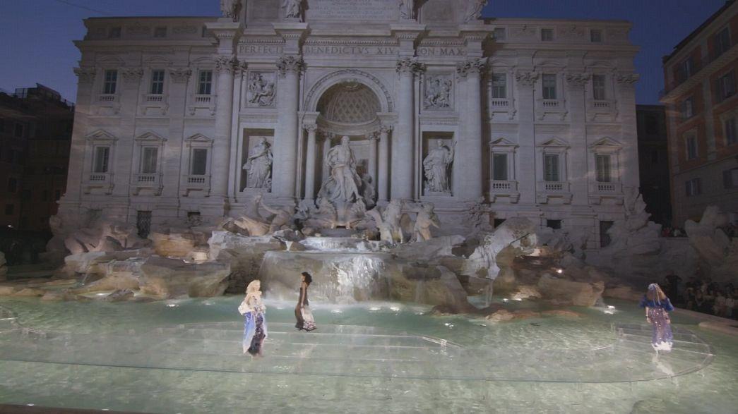 Fendi celebra 90 anos com desfile em Roma