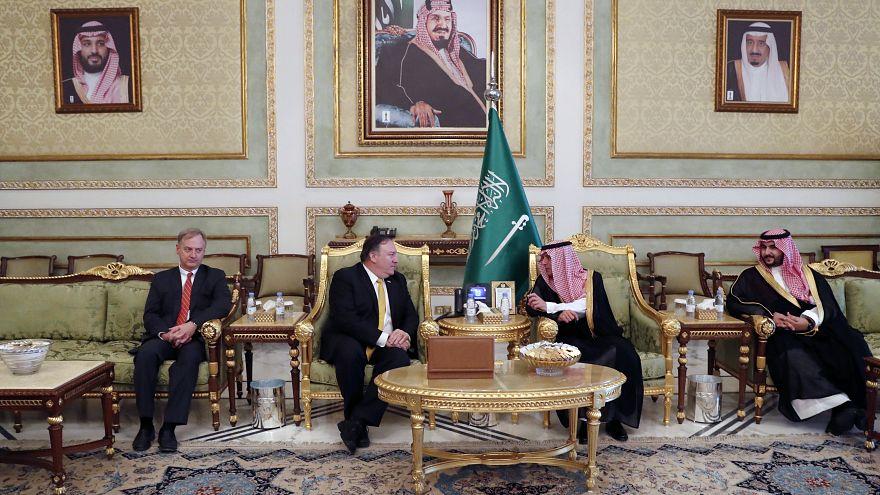 Image: Mike Pompeo in Saudi Arabia