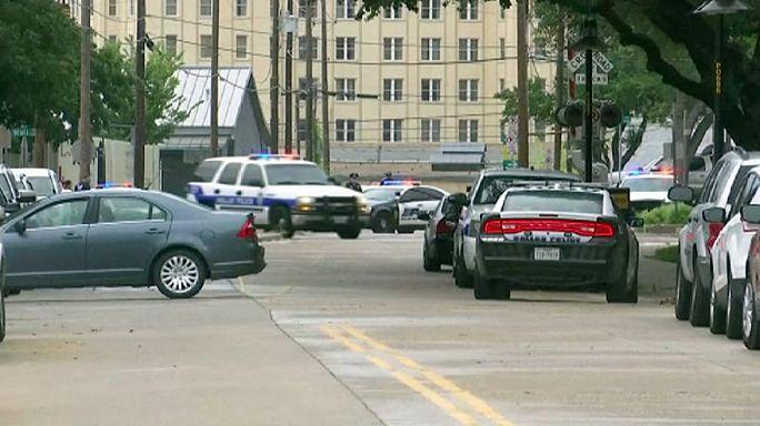La policía de Dallas registra durante horas el garage de su sede central tras recibir una amenaza