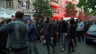 Берлин: более сотни полицейских ранены в стычках с леворадикалами