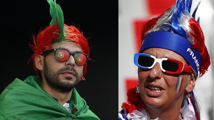Fransız ve Portekizli taraftarlar Paris sokaklarında final maçını birlikte bekliyor