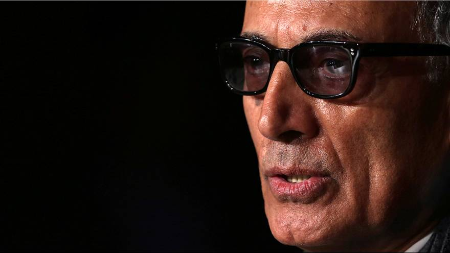 Iran: thousands mourn film director Abbas Kiarostami