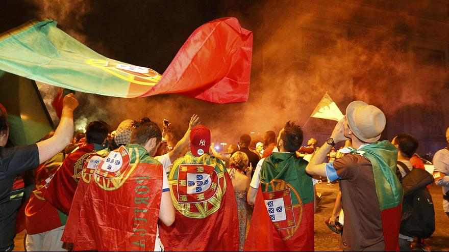 La primera victoria de Portugal en una final de la Eurocopa desata la euforia entre sus aficionados