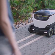 El servicio de comida puerta a puerta llega ahora gracias a un pequeño robot
