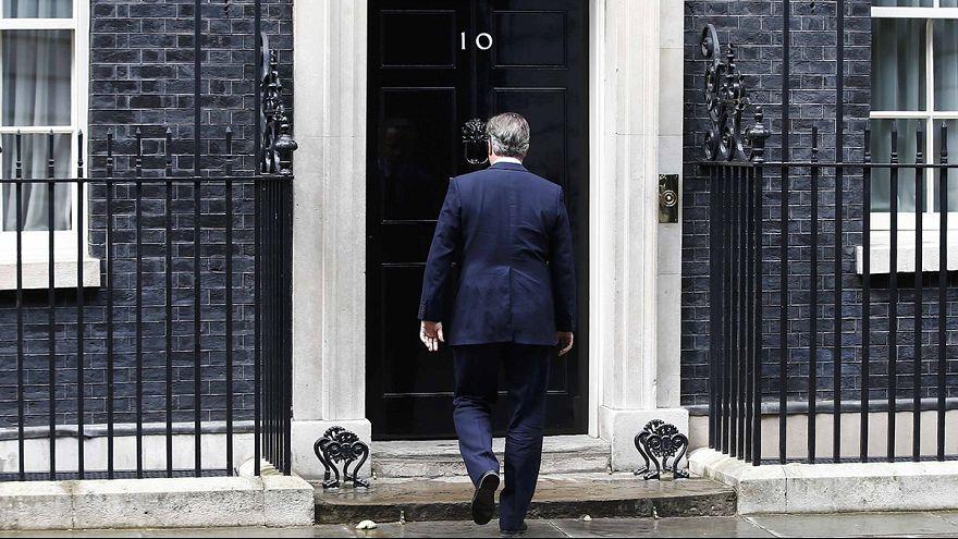 Felgyorsult brit vezetőváltás: Cameron már szerdán távozhat
