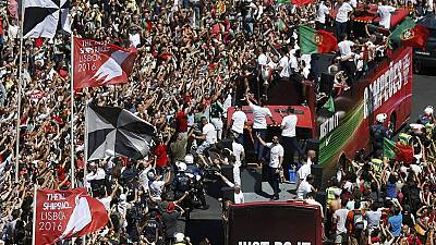 Portugal : l'équipe championne d'Europe accueillie en triomphe