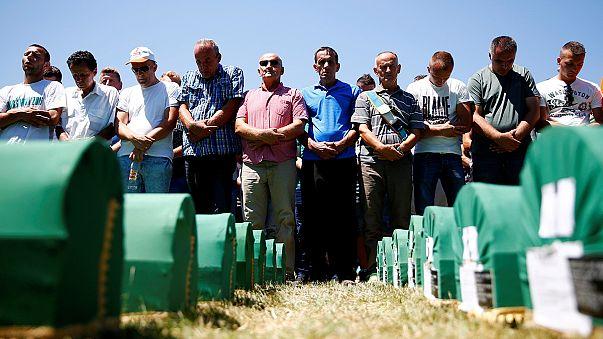 البوسنيون يحيون الذكرى الحادية والعشرين لمجزرة سربرنيتسا