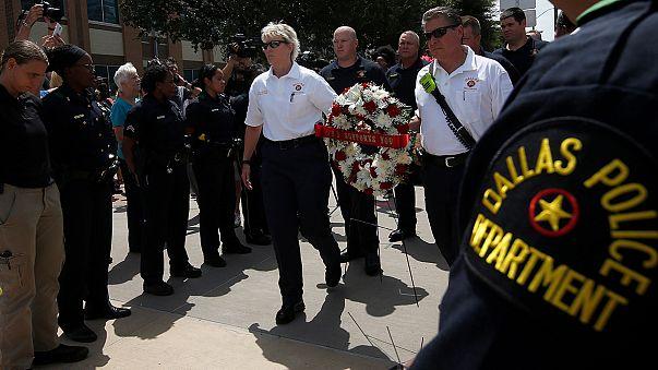 Halálos fenyegetéseket kap a dallasi rendőrfőnök