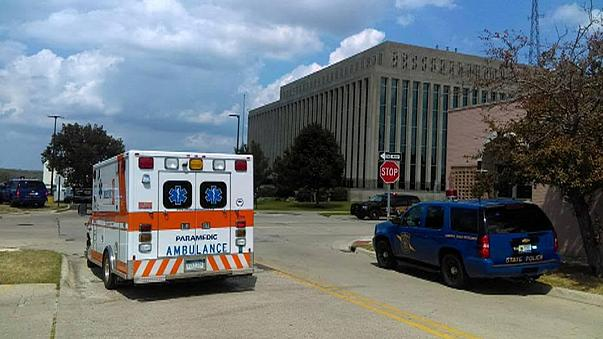 Two bailiffs and a gunman killed at US courthouse