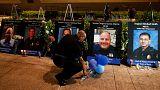 Dallas, commozione alla fiaccolata per i cinque agenti uccisi da un cecchino