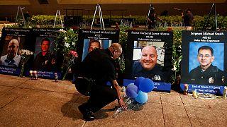 تكريم شرطيين ضحايا عملية اطلاق نار في دالاس