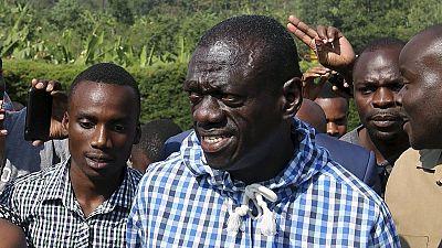 Ouganda : l'opposant Kizza Besigye libéré sous caution