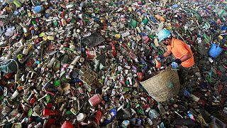 Marokkaner protestieren gegen Müll-Import aus Neapel