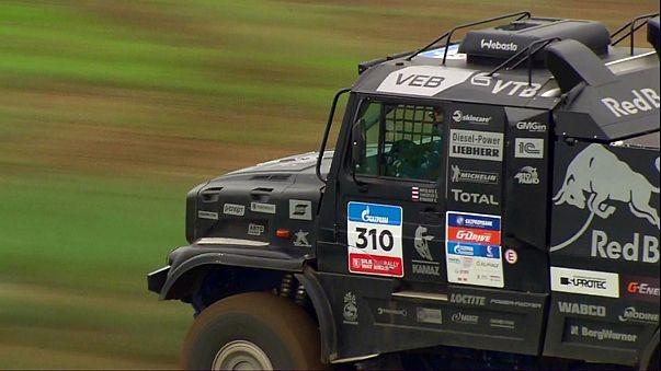Silk Way Rallye 2016: Stéphane Peterhansel übernimmt Gesamtführung