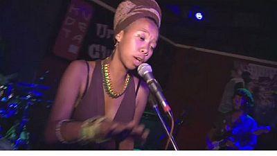 Le slam utilisé comme thérapie par une chanteuse à Madagascar