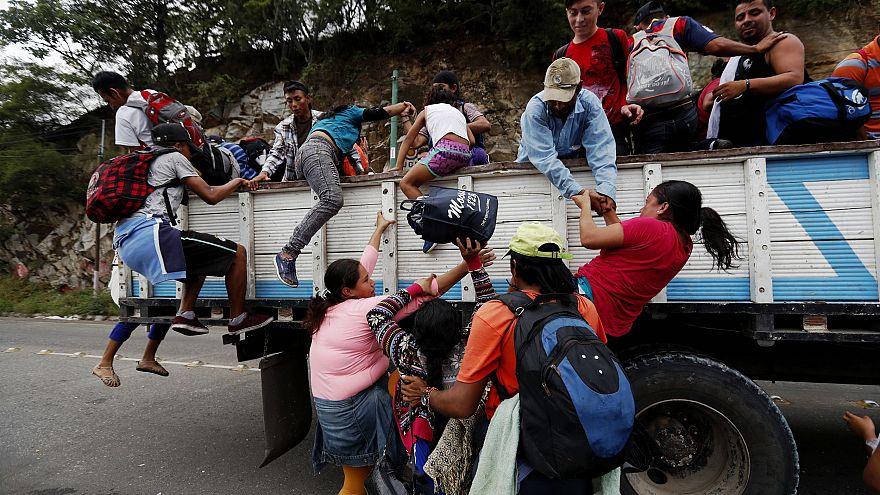Honduran migrant caravan grows to 4000 as U.S. border crossings spike