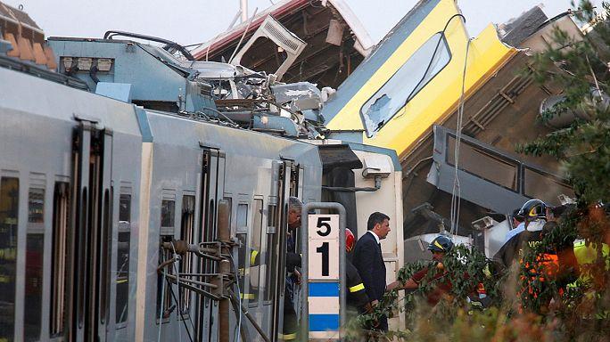 Vonatbaleset Olaszországban: éjszaka is folytatódott a mentés