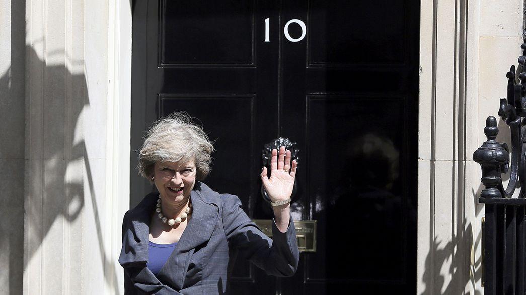 Cameron görevi May'e devredecek