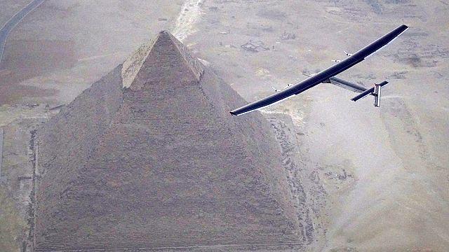 طائرة سولار إمبالس 2 تهبط في القاهرة قبل إتمام رحلتها