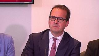 New challenge to Corbyn as Owen Smith launches UK Labour leadership bid