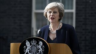 Theresa May investie Première ministre