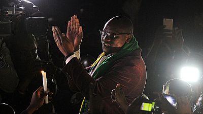 L'activiste zimbabwéen, pasteur Evan Mawarire, libéré de prison