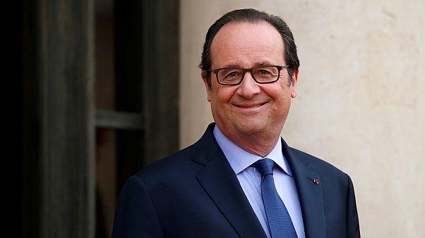 """Francia: estalla un escándalo """"por los pelos""""... de François Hollande"""