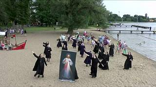 رقص راهبه ها در لهستان