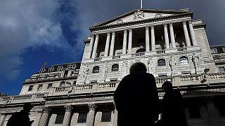 Banca d'Inghilterra: invariati i tassi, nessuna misura di stimolo fino ad agosto