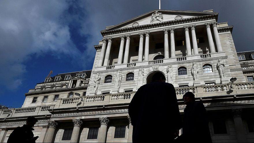 """Банк Англии не стал снижать ставки по кредитам, несмотря на """"брексит"""""""