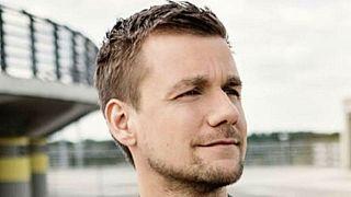Sanitäter statt TV: Tobias Schlegl begeistert Twitter und Kollegen