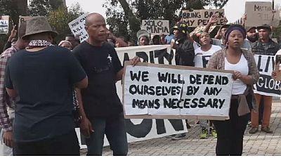"""Cape town: manifestation de soutien au mouvement """"Black Lives Matter"""""""