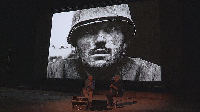 """I Rencontres di Arles celebrano Don McCullin: """"qui le foto che i giornali non vogliono più"""""""