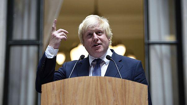 Diplomazie europee contro Johnson, Mosca spera in migliori relazioni con Londra