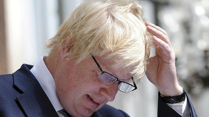 Osmanlı torunu Johnson Dışişleri, Davis Brexit, Hammond Maliye Bakanı oldu