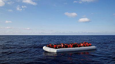 Quatre corps de migrants retrouvés dans un bateau sont arrivés en Sicile