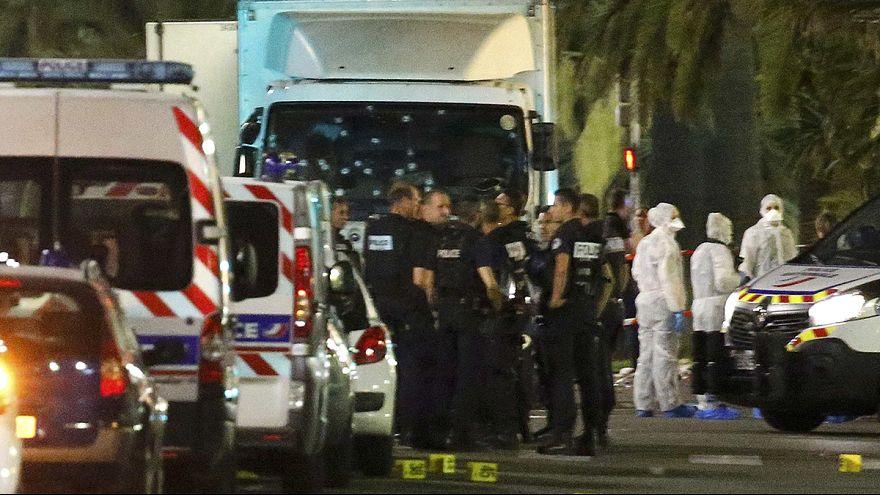 """Condena unánime de la comunidad internacional al """"ataque horrible y cobarde"""" en Niza"""