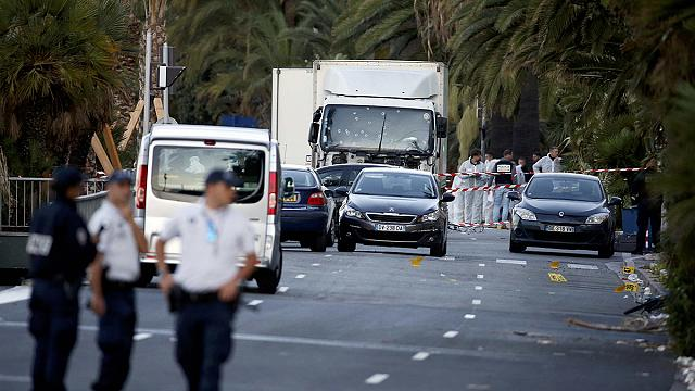 Nice ulusal bayramı kana bulayan saldırının şokunu yaşıyor